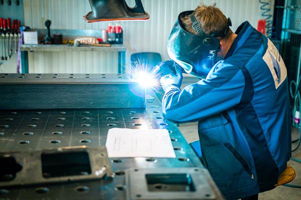 Rhino Tore produziert hochwertige Einfahrtstore aus Aluminium