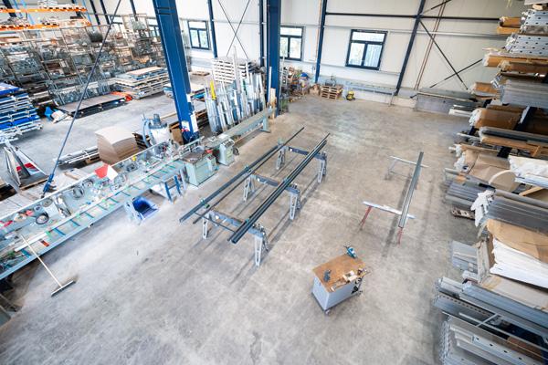 Rhino Torsysteme Produktionshalle Hoftore Drehtore Schiebetore Aluminium